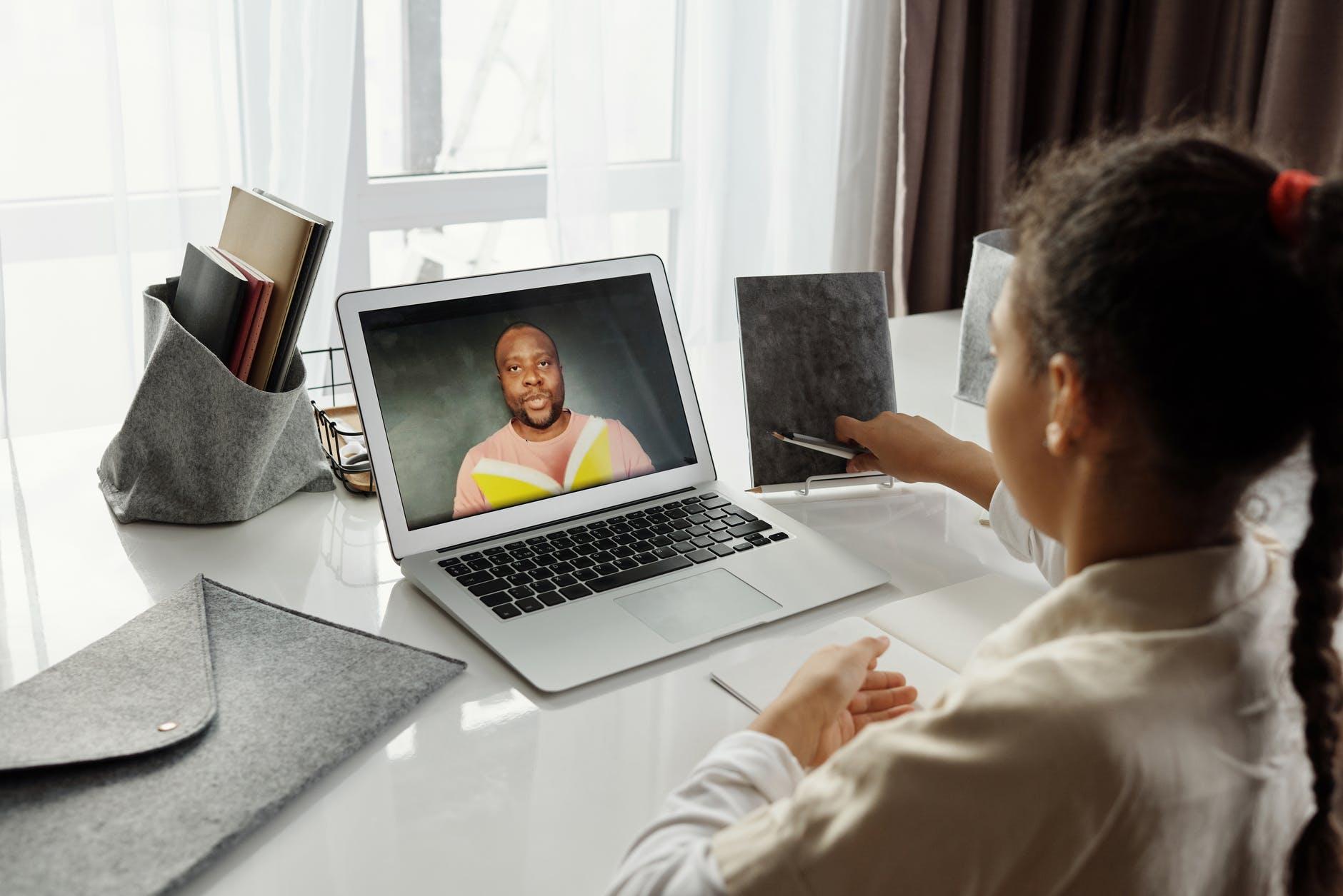 A child during an online class